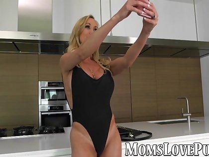 Hot MILF Brandi Love bangs her kinky stepdaughter on sofa