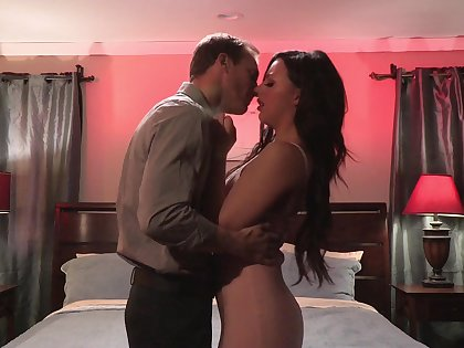 Obsessed with sex brunette Whitney Wright gets betoken with new lover