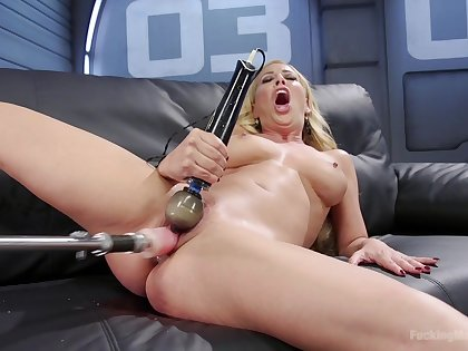 Cherie Deville with amazing natural body loves to appreciation himself