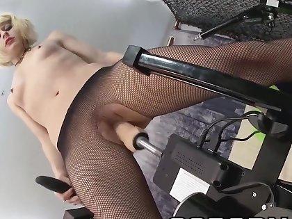 Nora Barcelona con la sexmachines max power