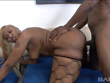 Black tushy pornstar Ms. Cleo spreads her trotters to ride like her man