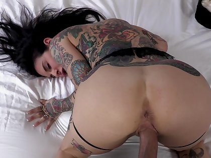 Tattooed woman bends ass for the most insane anal