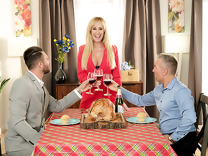 Short-circuit Brandi Love is thankful for their way husband's friend's cock