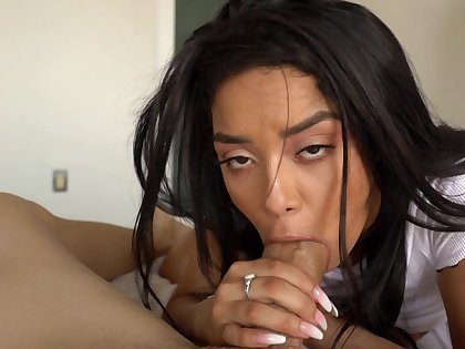 Rough sex leads Latina establishing girl roughly insane orgasms in bed