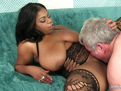 Curvy Inky Hottie Ms Mirage Gets Eaten At large Together with Bounces Exceeding His Old Cock